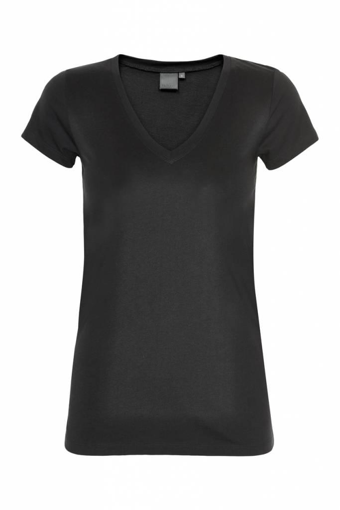 In Wear T-shirt Rena