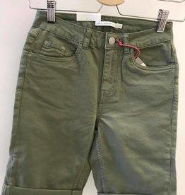 B. Young Shorts Bykato Bylikke
