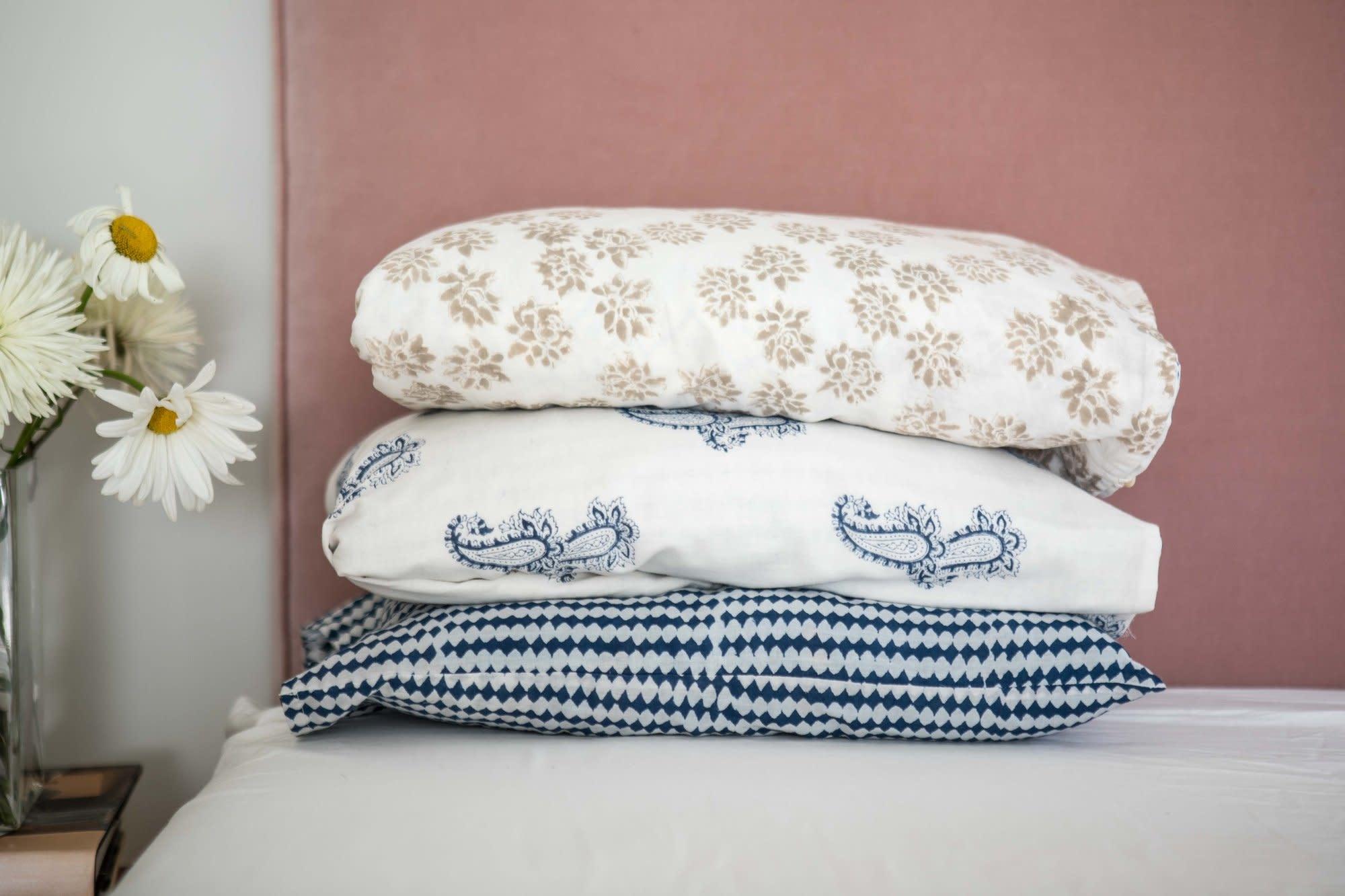 Kerry Cassill KC Voile Travel Pillow