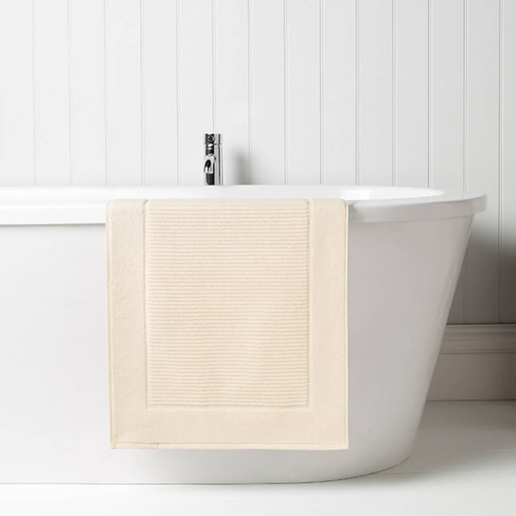Christy Towel Supreme tub mat- Almond