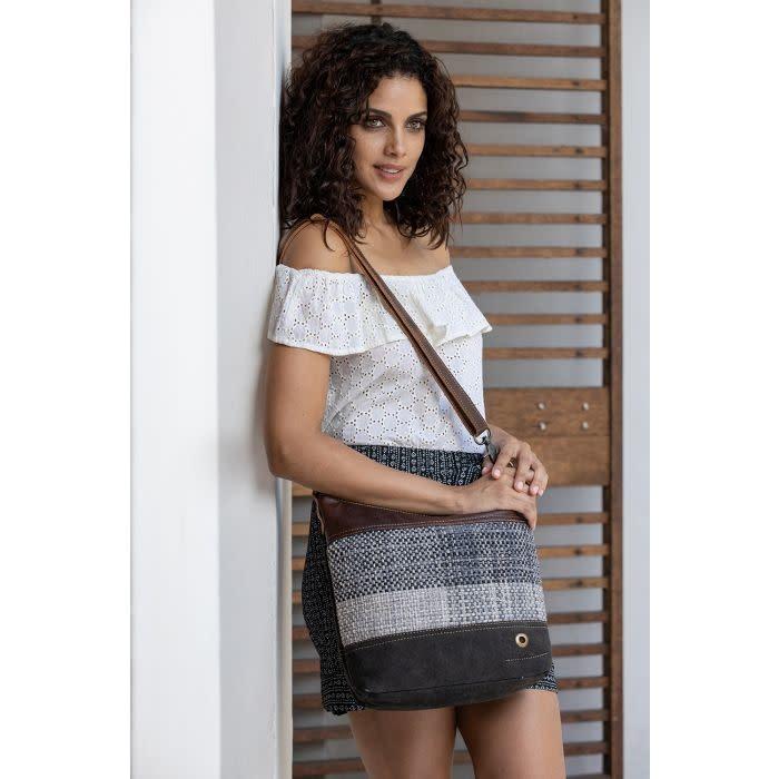 Myra Bag Seemliness Shoulder Bag