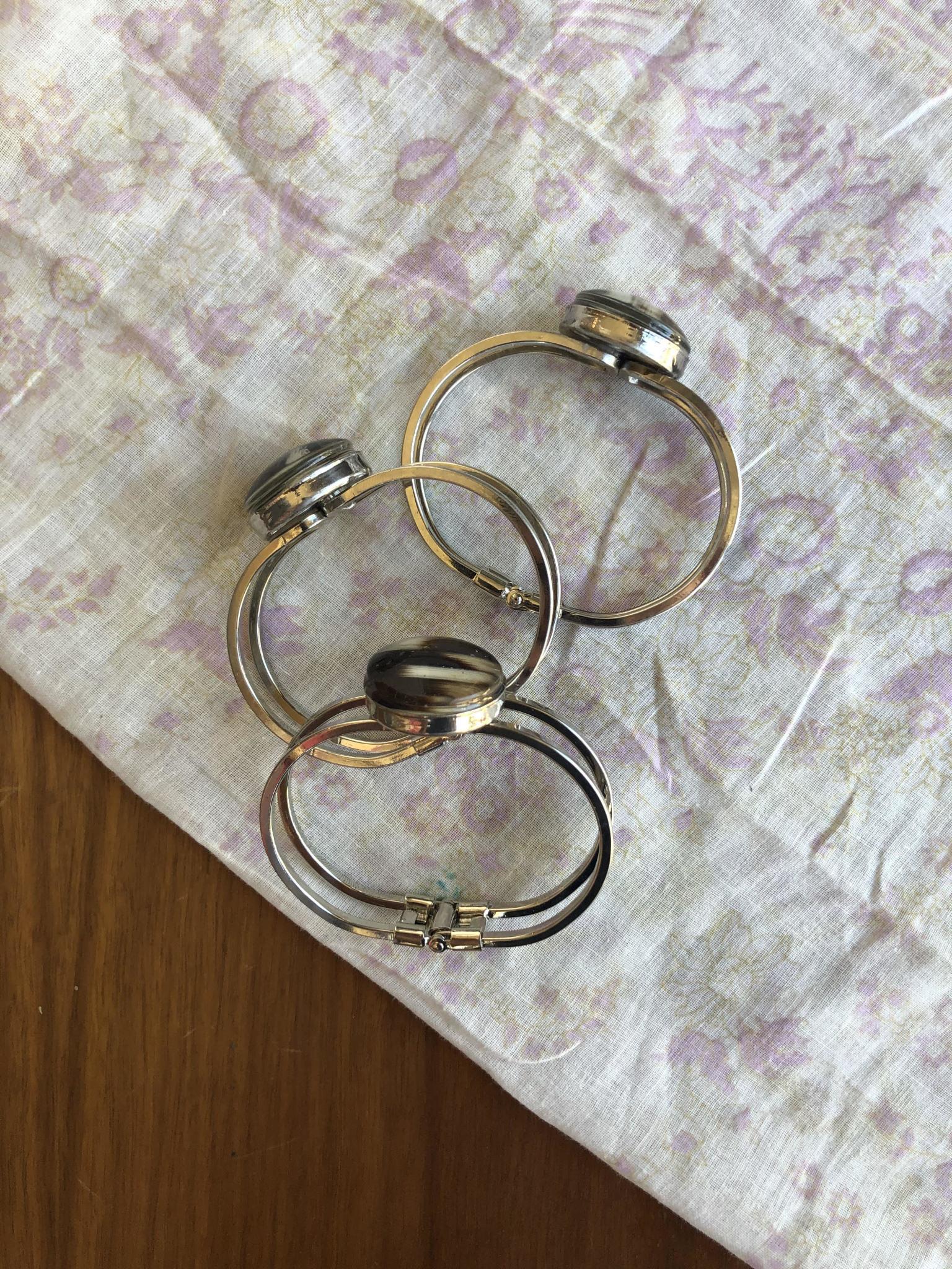 Ziggywear Globe Quill Jaw Bracelet