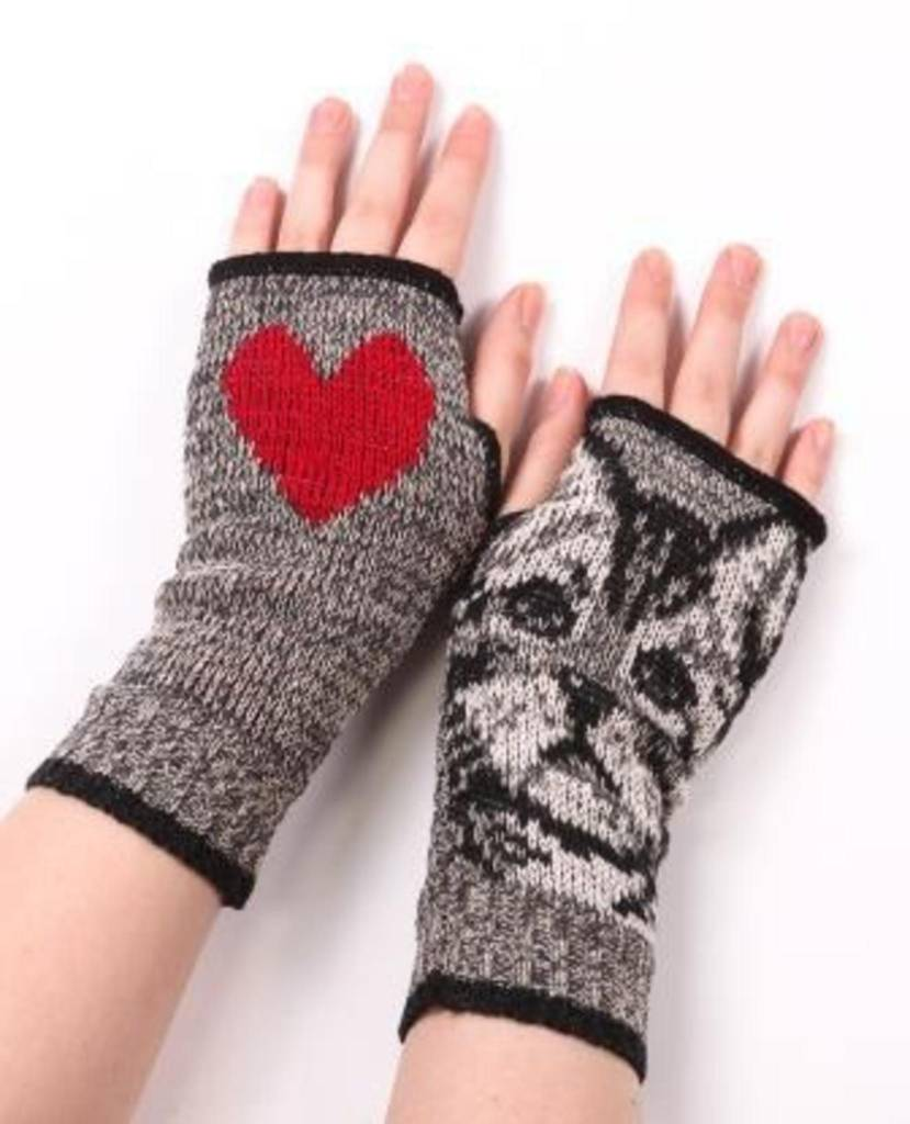 Green 3 Apparel Kitty Heart Handwarmer