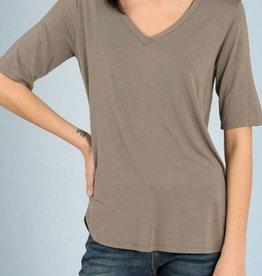 EMMA'S 1/2 Sleeve V-Neck Top