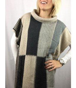 PODOS Colorblock Fringe Long Sweater