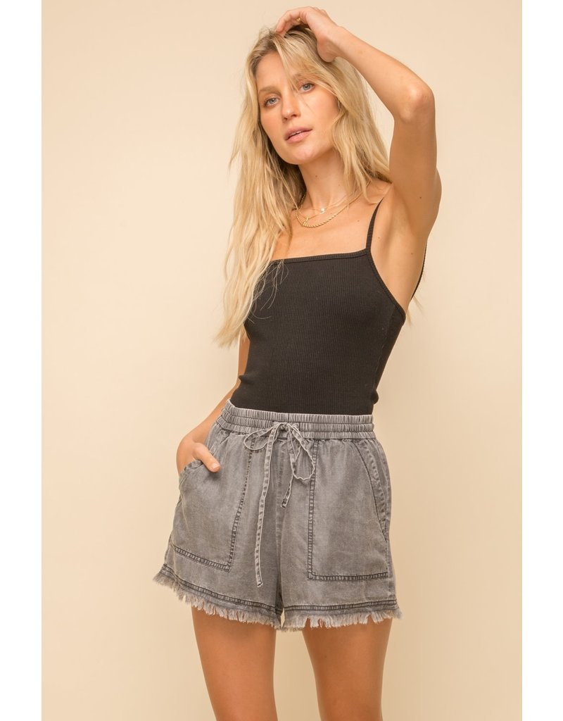 PODOS Distressed Fringe Hem Shorts