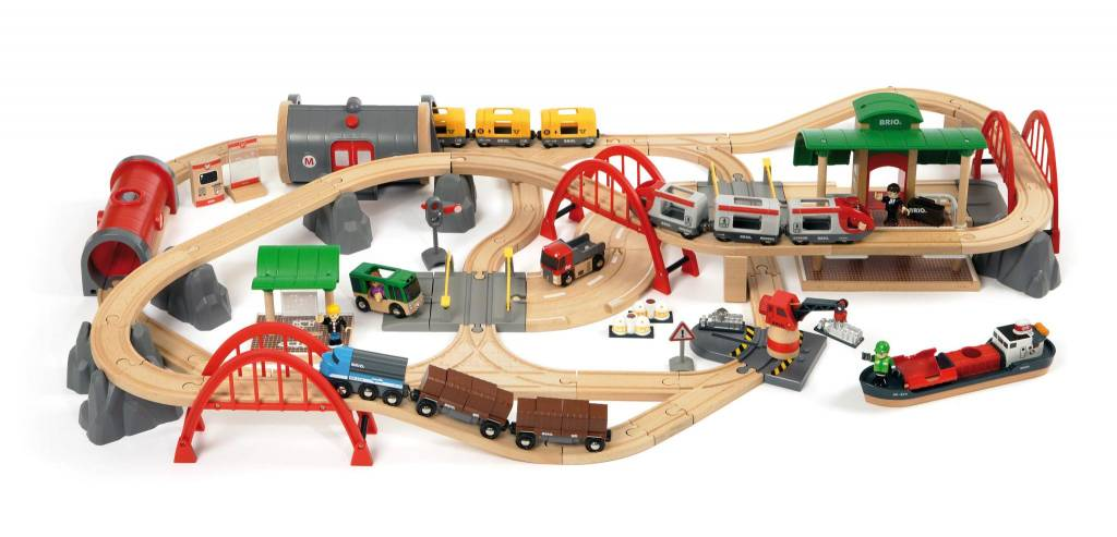 Deluxe Railway Set by BRIO