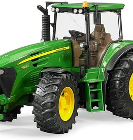 John Deere Tractor 7930 w/ Double Wheels by Bruder