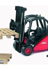 Linde Forklift H30D by Bruder Toys