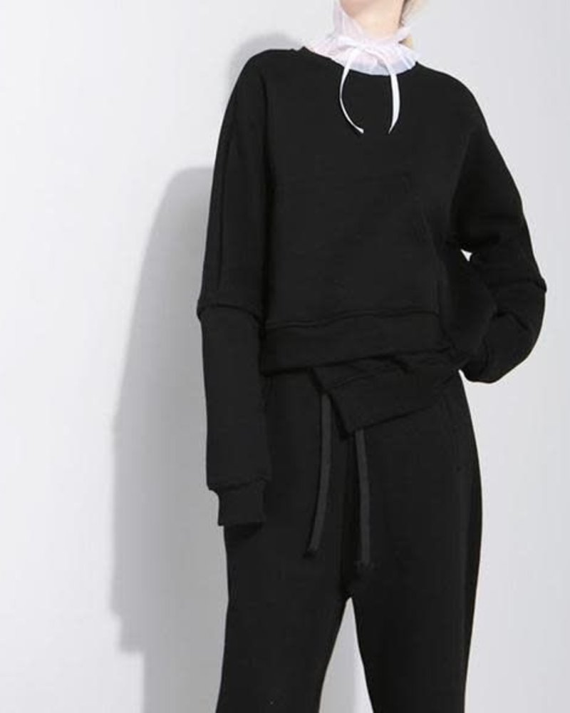 IRREGULAR POCKET SWEATSHIRT