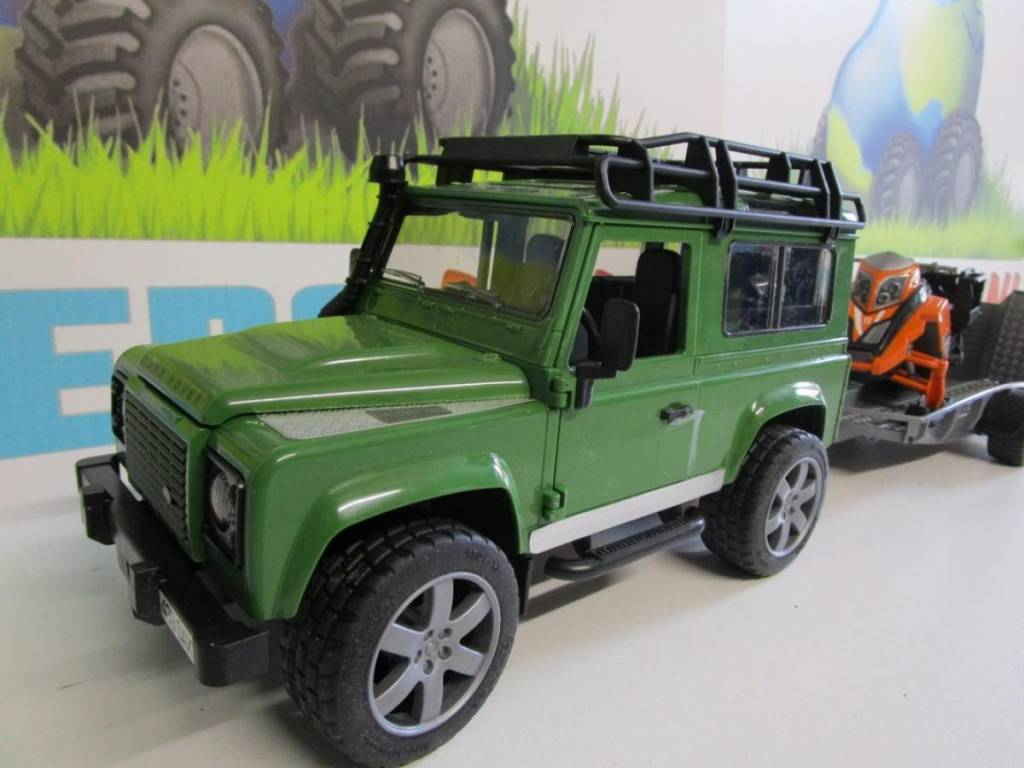 Bruder Land Rover avec remorque et motoneige