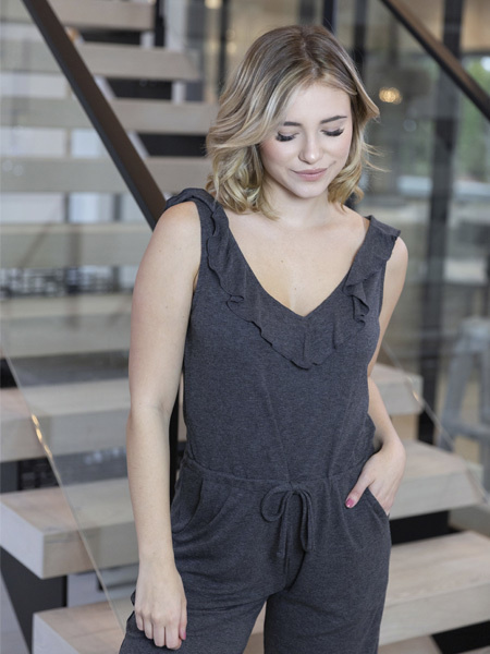 BASIC by PRIV Caress Jumpsuit en gris