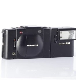 Olympus Olympus XA4 Macro 35mm Point and Shoot Film Camera SN: 138325 *