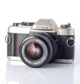 Nikon Nikon FM-10 SLR Camera with 35-70mm f/3.5-4.8 Zoom Lens *
