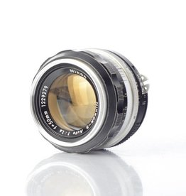 Nikon Nikon 50mm f/1.4 S SN: 1229279 *