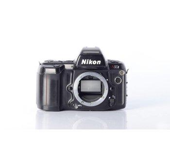 Nikon N90s  *