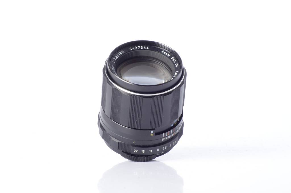Pentax Pentax Super Takumar 105mm f/2.8 with Case