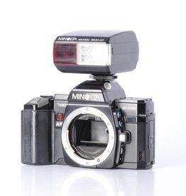 Minolta Minolta Maxxum 7000 Camera Body w/1800 AF Flash *