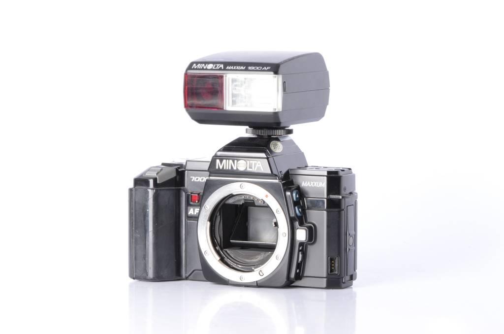 Minolta Maxxum 7000 Camera Body W 1800 AF Flash