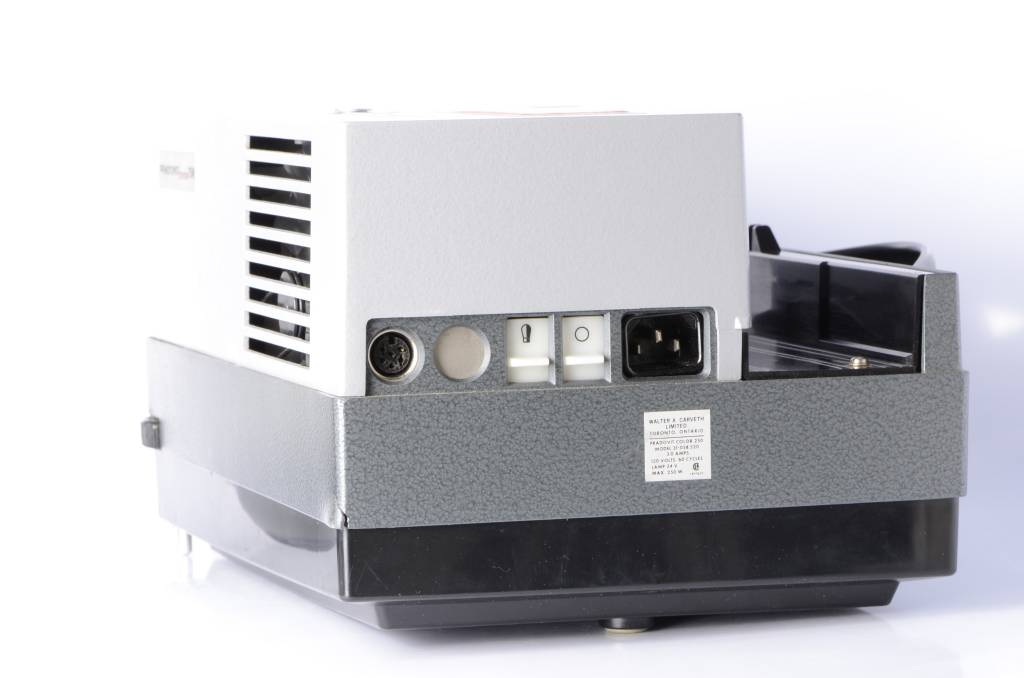 Leica Leica Pradovit Color 250 35mm Slide Projector