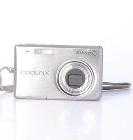 Nikon Nikon COOLPIX S700 Digital Camera *