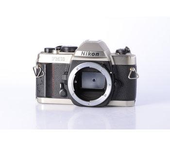 Nikon FM10 35mm Film Camera Body *