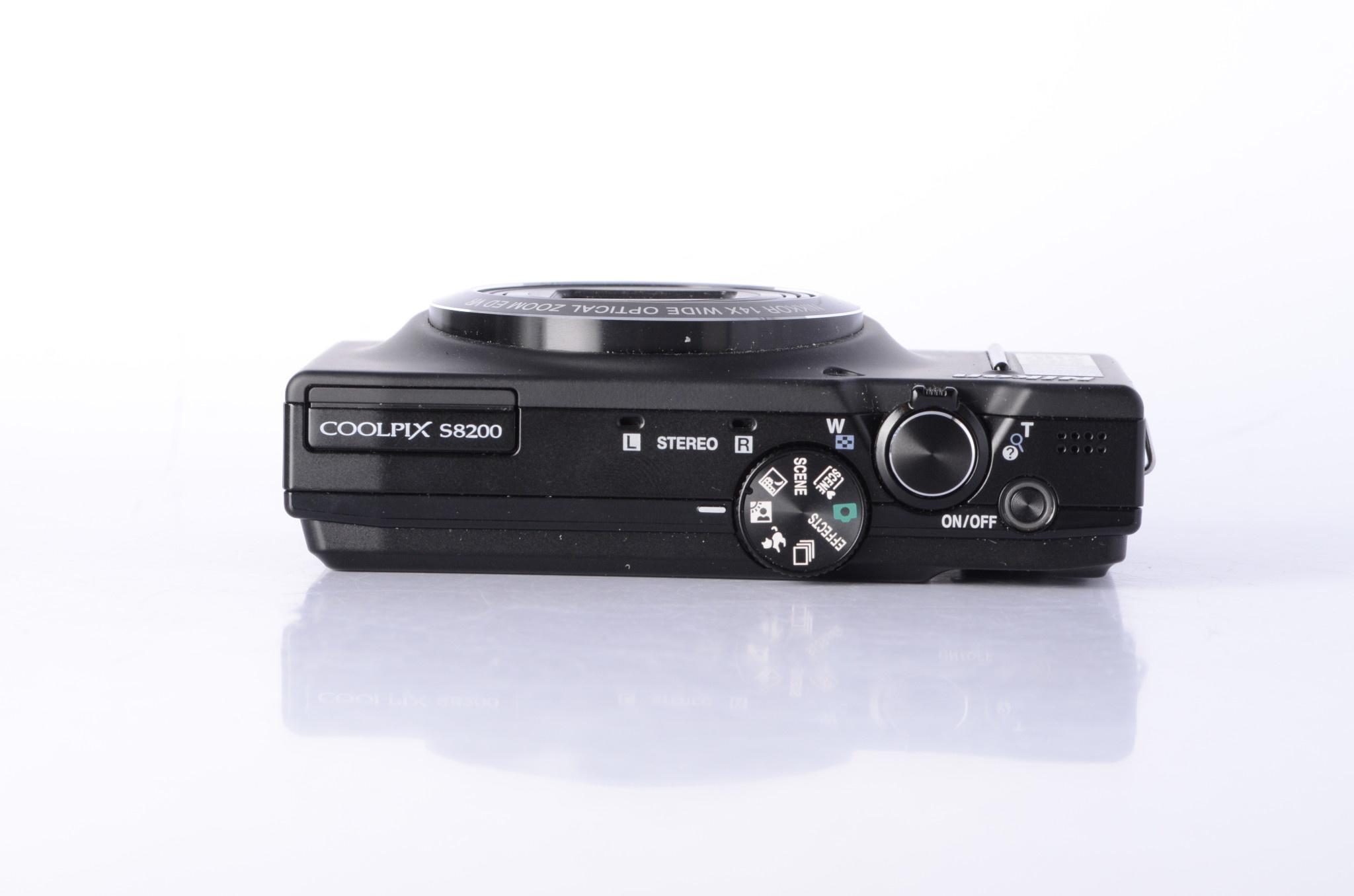 Nikon Nikon Coolpix S8200 Point and Shoot Digital Camera SN: 31052911 *