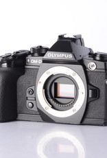 Olympus Olympus OM-D E-M1 Mirrorless Camera *