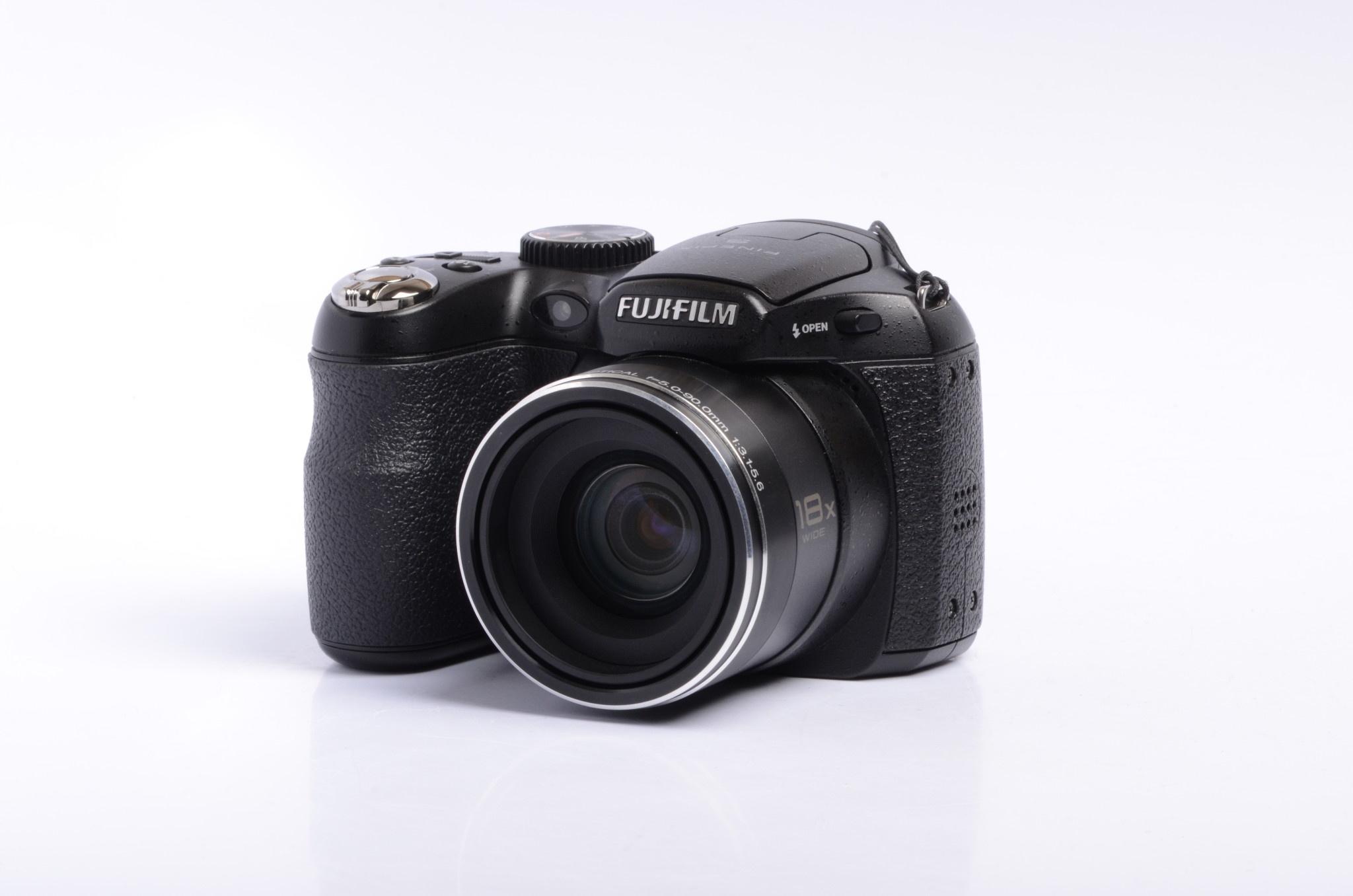 Fujifilm FujiFilm Finepix S2700 HD SN: 0SB13501