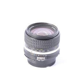 Nikon Nikon 28mm f/2.8 SN: 781375