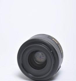 Nikon Nikon Nikkor 35mm f/1.8 G AF-S DX Autofocus Lens for APS-C Sensor DSLR, Black {52}
