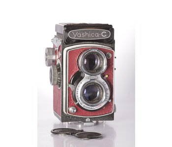 Yashica - C 80mm f/3.5 - Red Leather w/ Case