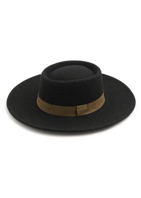 Deloris Hat