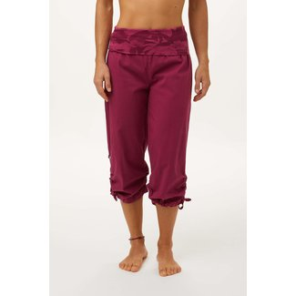 E9 Clothing Women's Cleo 3/4 Pant