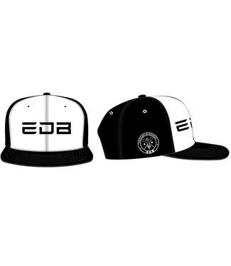 New Era New Era Casquette EDB speciale modele 950 snapback noir et blanc small/medium