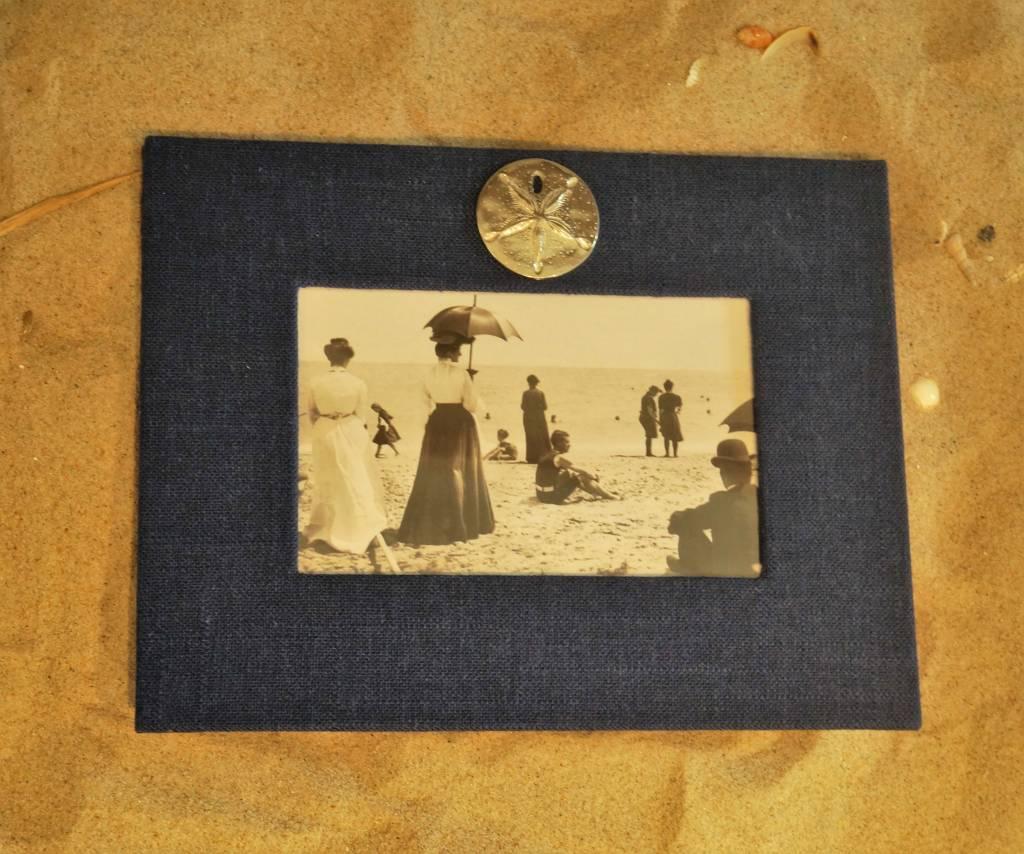 Navy Frame Sand Dollar 4x6 Horizontal