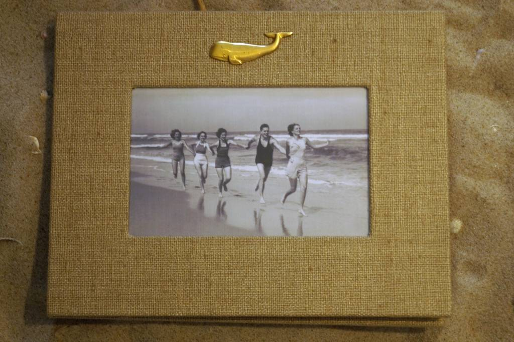 Natural Frame Gold Whale Vertical 4x6
