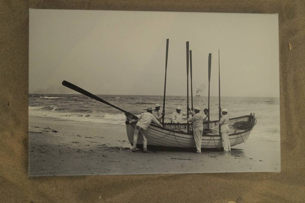 Canvas 9x14 Pound boat with Oars