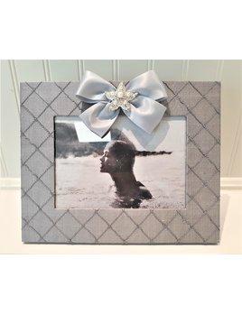 Horizontal Grey Silk Frame Starfish Pearl with Satin ribbon 5x7