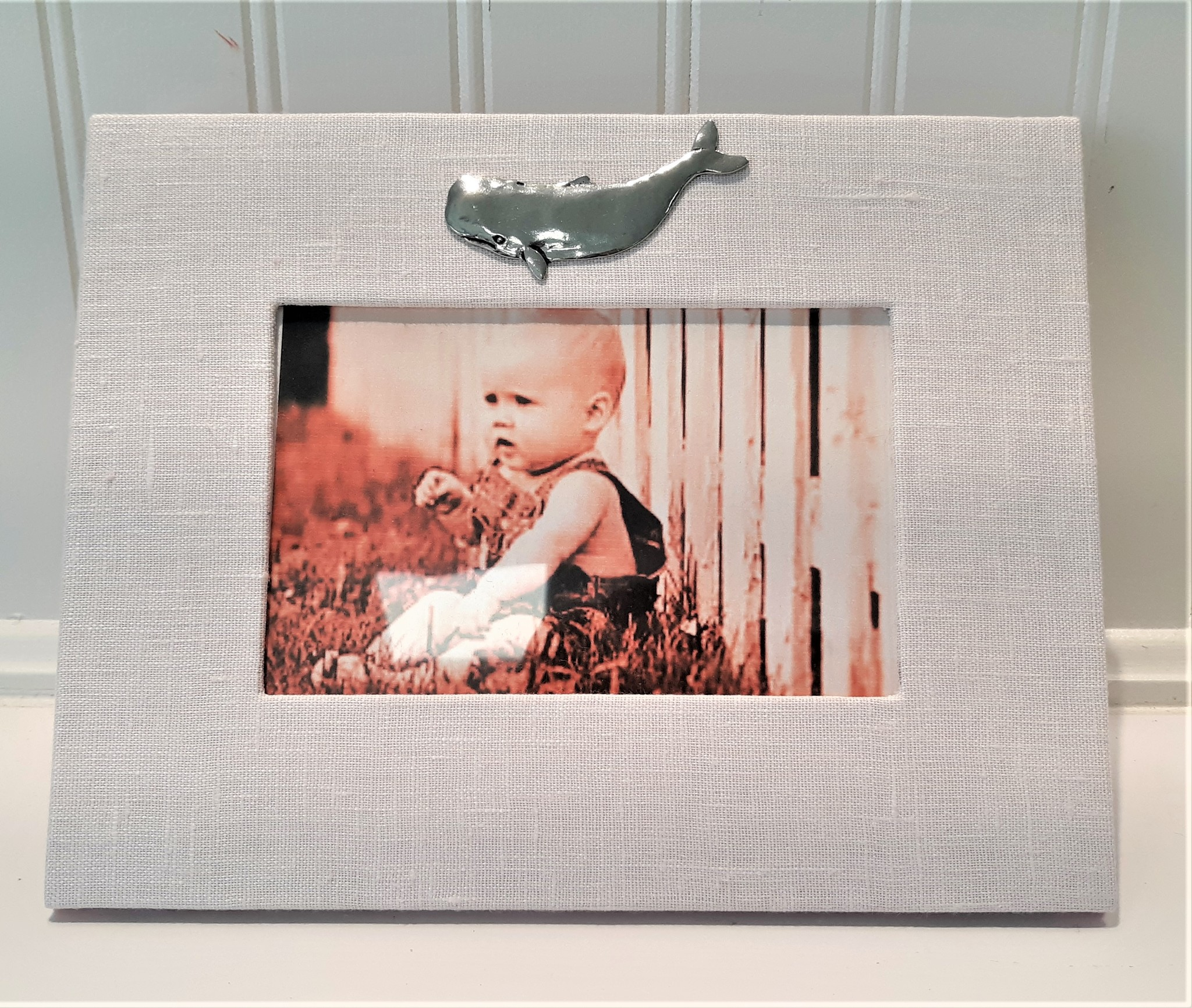 Horizontal Pink Baby Linen Frame Pewter Whale 4x6