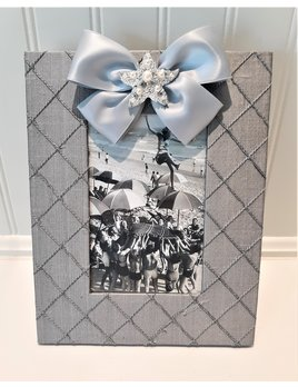 Vertical Grey Silk Frame Starfish Pearl with Satin Ribbon 4x6