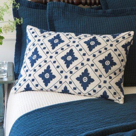 Linnea Indigo Pillow 16x24