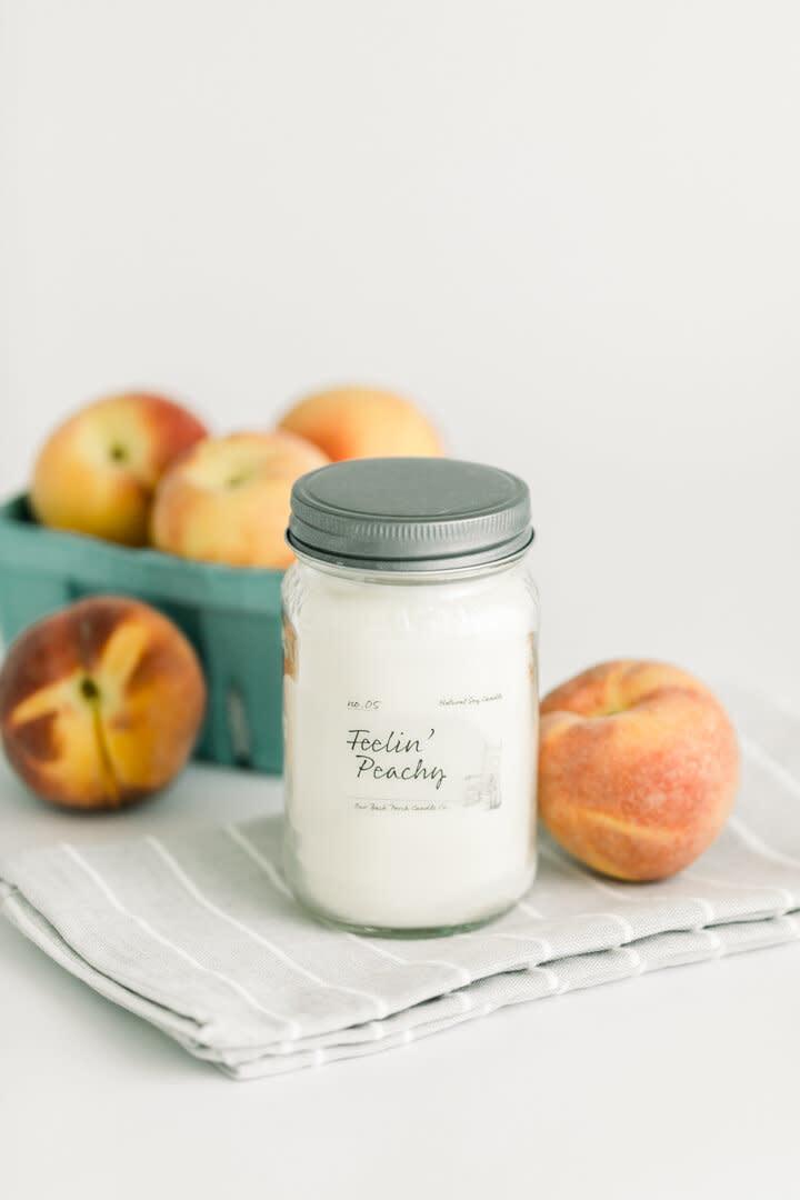 Feelin Peachy 16oz Candle