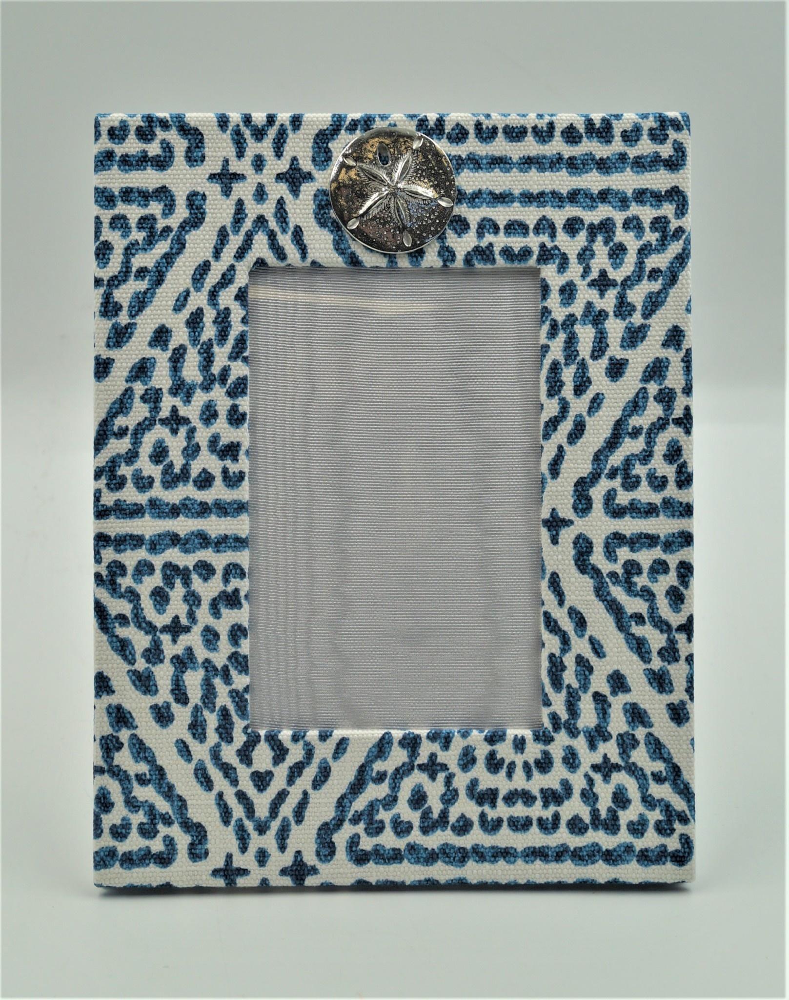 Pewter Medallion Sand DollarVertical Frame 4x6 Madrid Blue