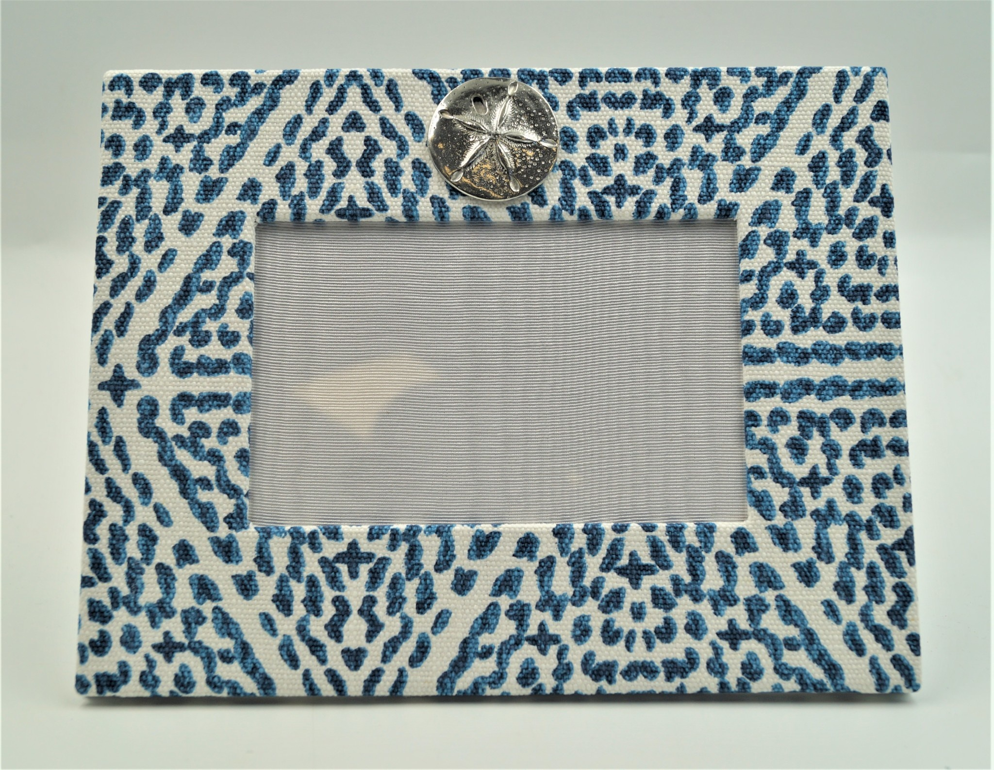 Pewter Medallion Sand Dollar Horizontal Frame 4x6 Madrid Blue