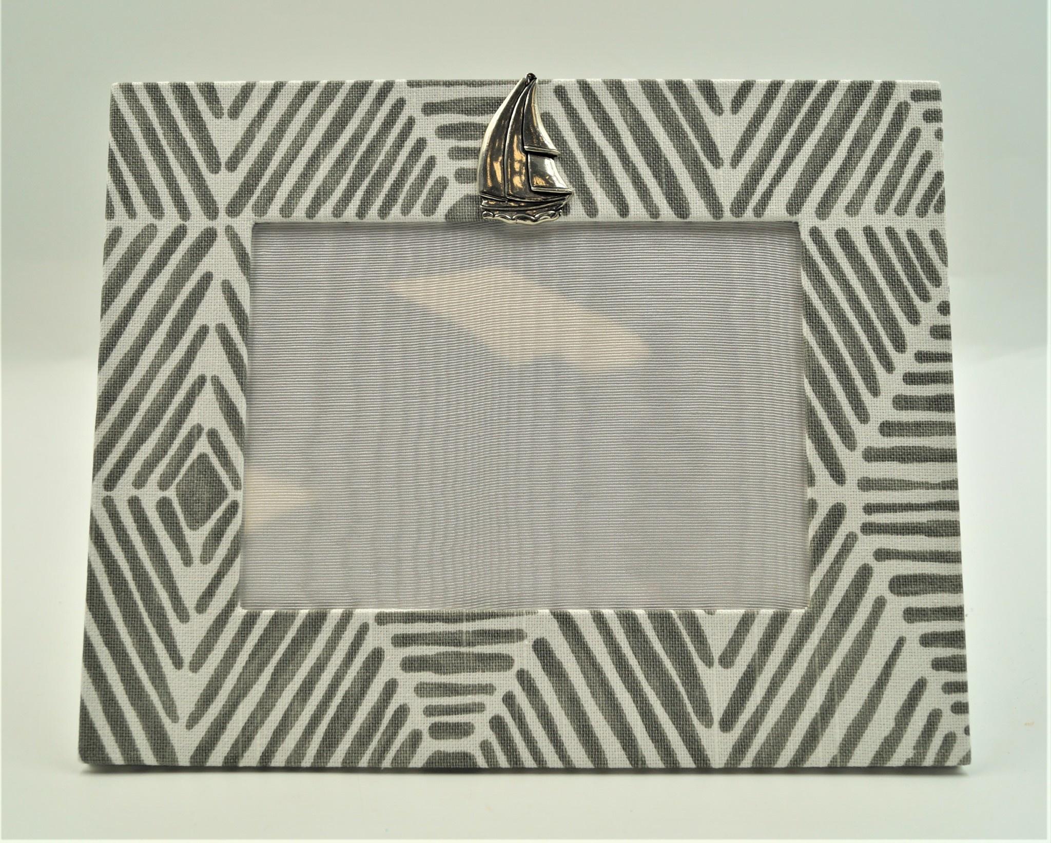 Pewter Medallion Sailboat Horizontal Frame 5x7 Bamboo Grey
