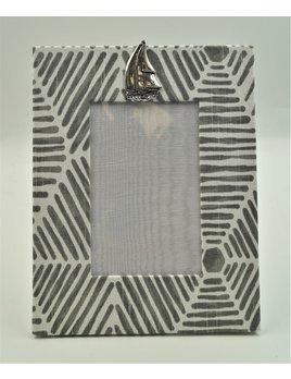 Pewter Medallion Sailboat Vertical Frame 4x6 Bamboo Grey