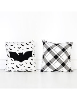 14.25x14.25 Pillow (BAT) bk/wh