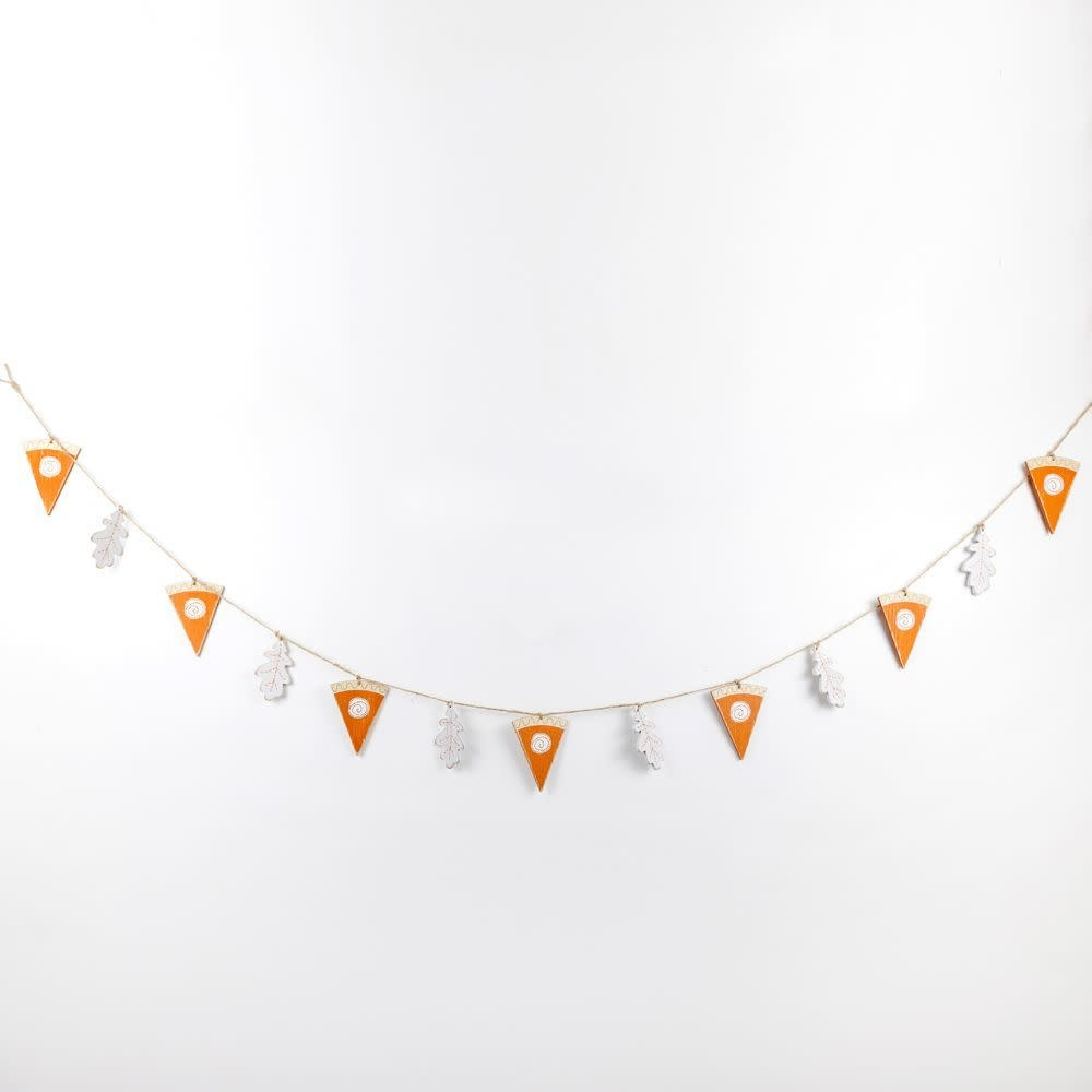 60x3.5x.15 Wood Garland (PIE) wh/or