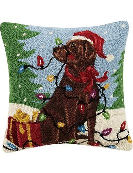 Holiday Chocolate Labrador With Lights Hooked Pillow 16x16
